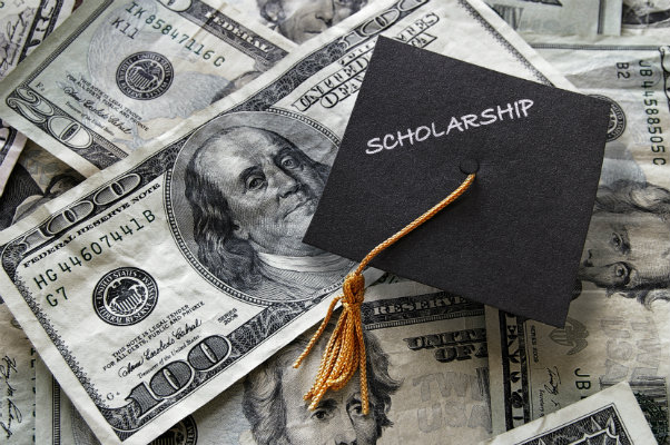 10 Tips to Get a Scholarship for College